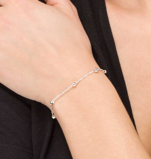 Silver Bracelet with interspersed shiny balls
