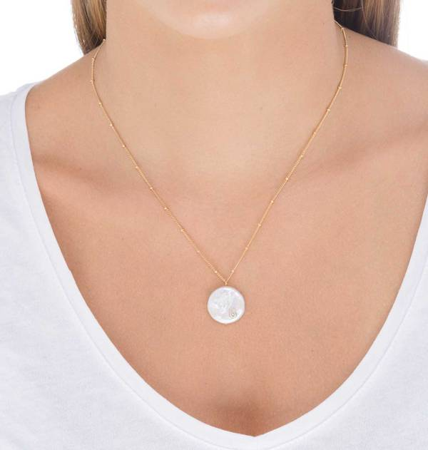 Pearl Gold Chain Ball Pendant