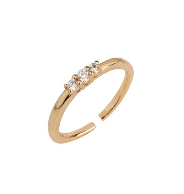 Fine Gold Ring with three Zircons